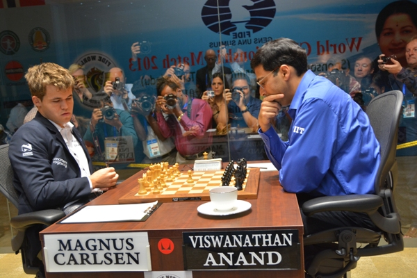 Carlsen Anand R8 1